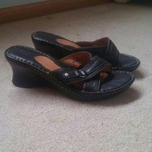Born size 8 black leather wedges EUC